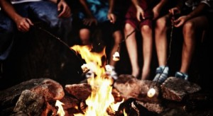 cropped-campfire-marshmallow1.jpg